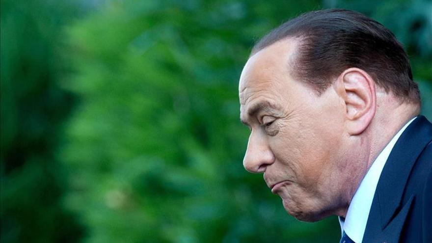 Tribunal condena a Berlusconi a tres años de cárcel por el caso de soborno a senador