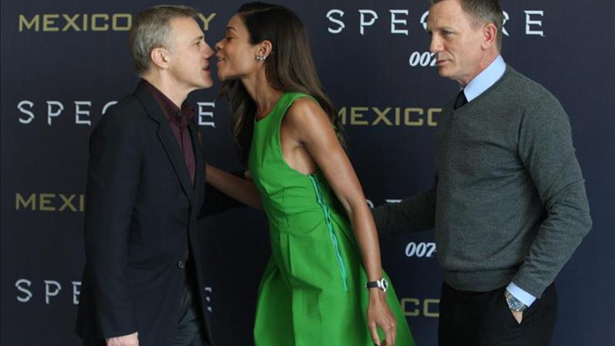 La censura india acorta los besos más apasionados del último film de James Bond