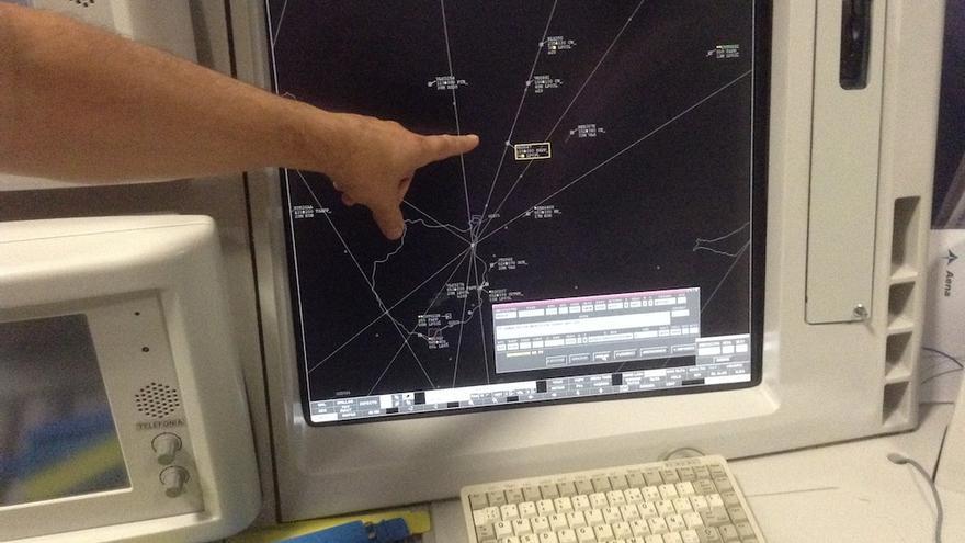 Controlador aéreo en una torre de control.