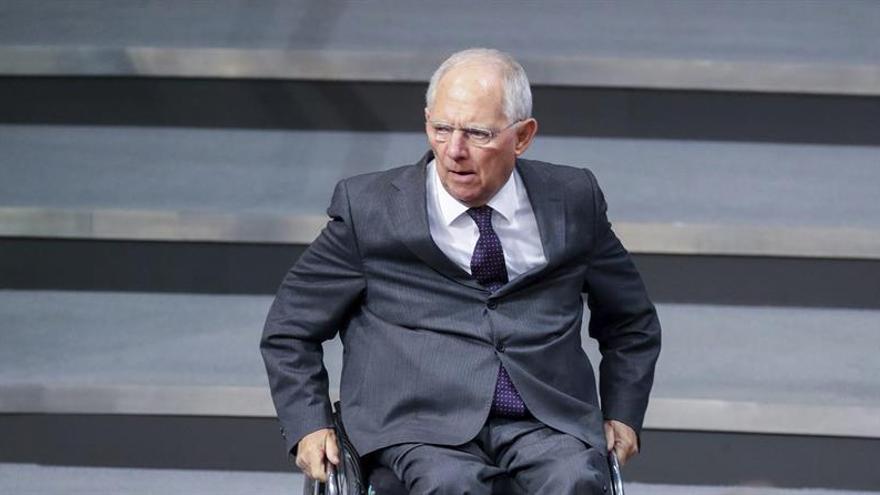 Schaüble apuesta por la cooperación con el nuevo secretario del Tesoro de EEUU