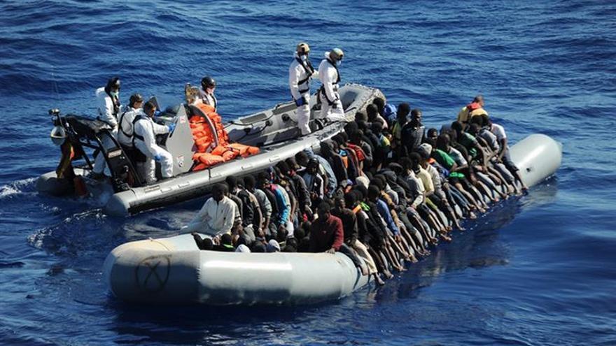 Recuperan 22 cadáveres en una patera cargada inmigrantes en el Mediterráneo