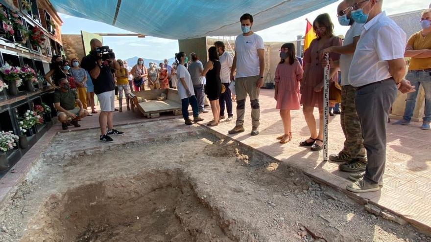 La Generalitat prevé localizar 61 víctimas del franquismo en fosas comunes en cementerios de Castelló, Segorbe, Alicante y Orihuela