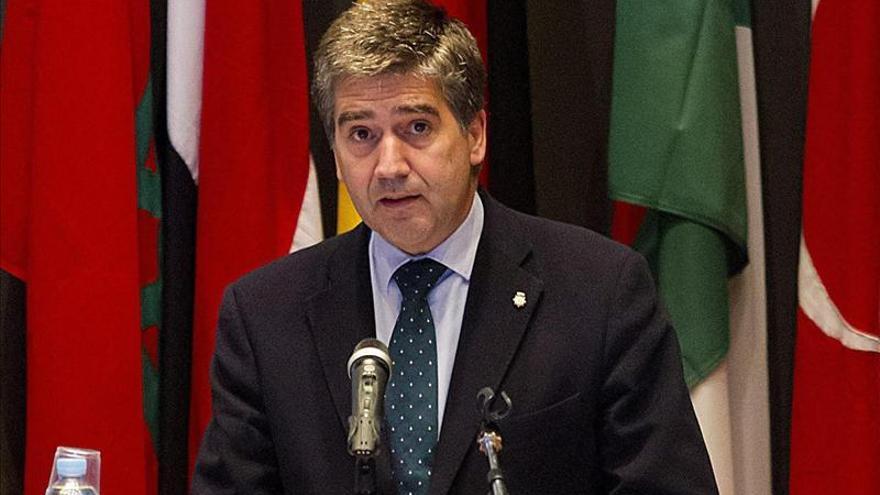 "Cosidó aboga por asegurar fronteras aunque haya que tomar medidas ""difíciles"""