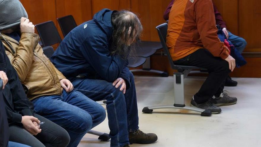 Varios de los seis acusados, este jueves durante el juicio.