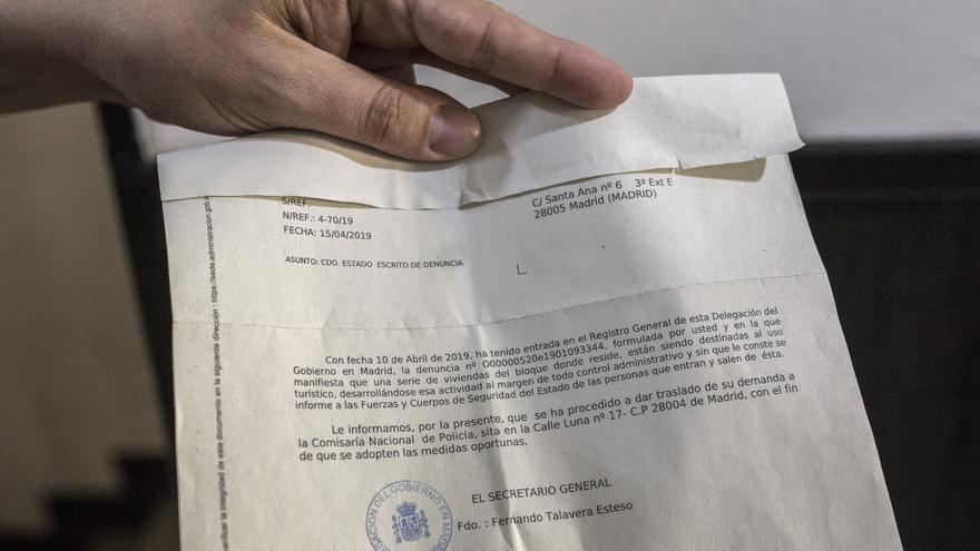 Documento que acredita la presentación de una demanda por el uso de viviendas como piso de uso turístico en Lavapiés