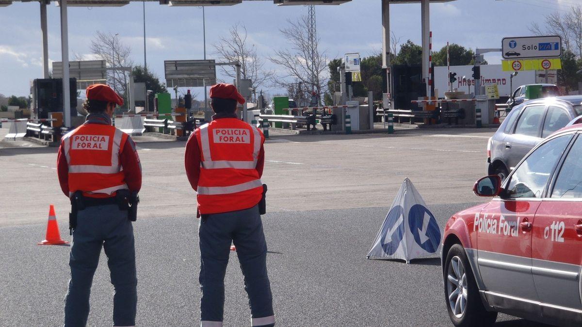 Control de la Policía Foral en una carretera de Navarra