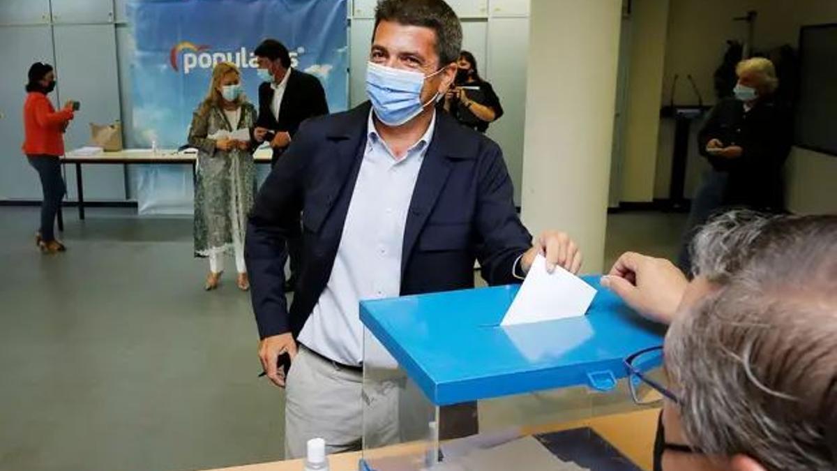 Carlos Mazón deposita su voto en el XV Congreso del PP / EFE - Manuel Lorenzo