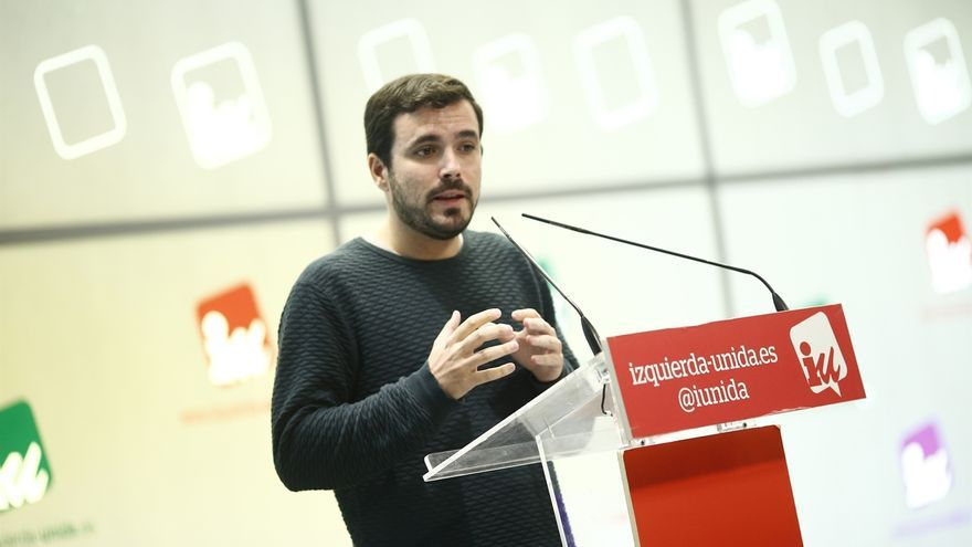 """Garzón afirma que la gestora del PSOE se comporta """"de forma subalterna al PP"""" aprobando las leyes del Gobierno"""