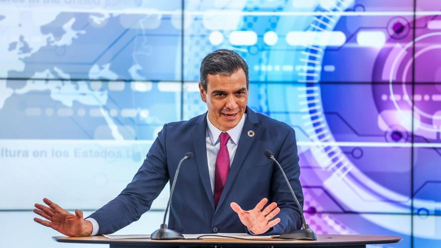 El presidente del Gobierno español, Pedro Sánchez, hablando a los medios de comunicación en el campus de la compañía HP, en Palo Alto (EE.UU.)
