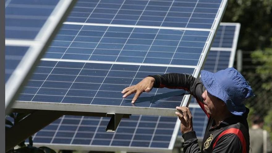 """ONG aseguran que la UE """"está lista para sostenerse con energía renovable"""""""