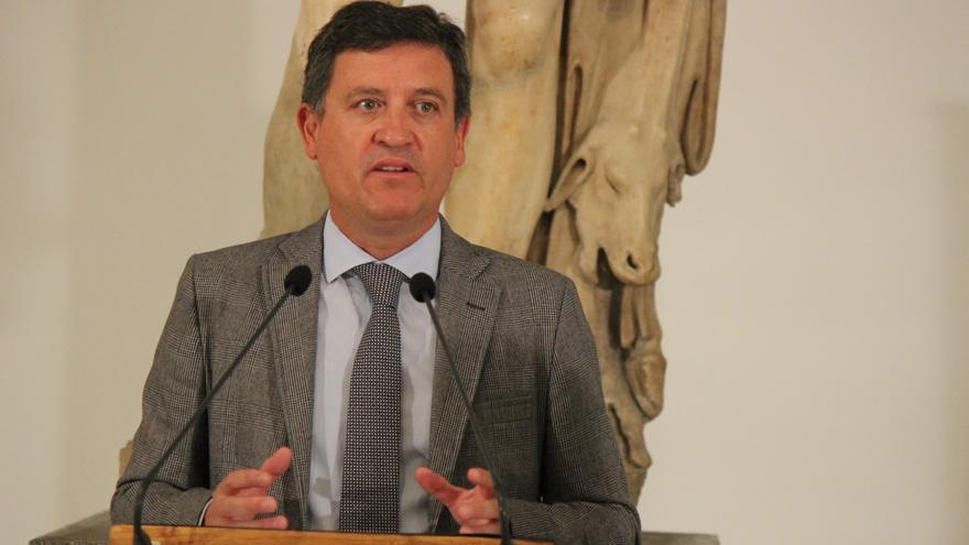 El secretario general de Cultura, Eduardo Tamarit, ante los medios