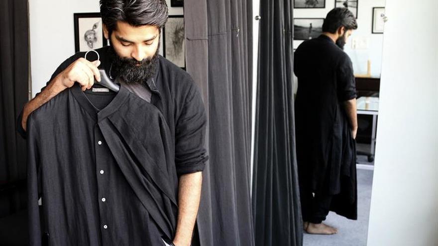 La nueva moda india se abre al mundo sin olvidar sus orígenes