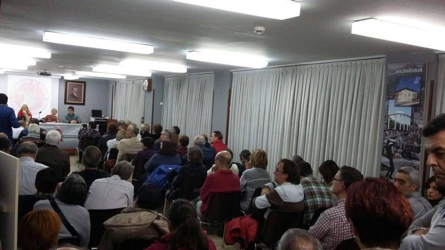 """Un centenar de militantes socialistas vizcaínos piden que se celebre """"un Congreso y unas primarias ya"""""""
