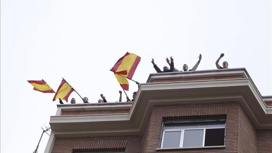 La Policía intenta desalojar a okupas de ideología nazi de un edificio en Madrid