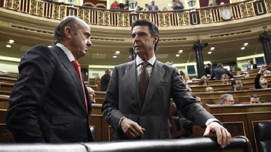 PSOE y Podemos mantienen que Guindos explique en el Pleno del Congreso el nombramiento de Soria, pese a su renuncia