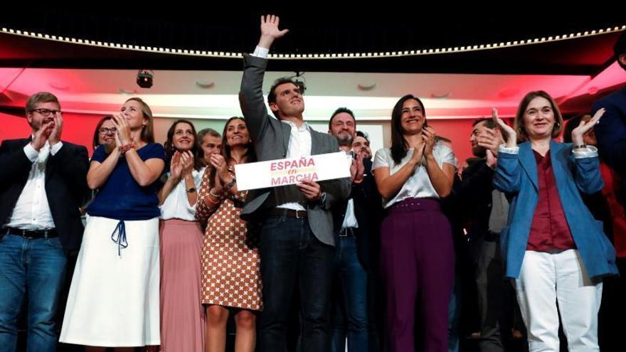 Rivera se abre a pactar también con PSOE para que haya gobierno tras el 10N