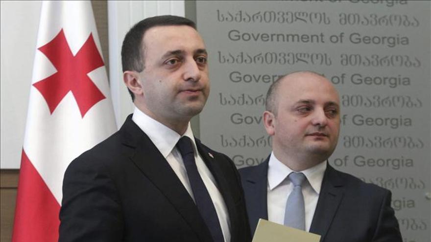 Los titulares de Defensa y Exteriores de Georgia dejan sus cargos