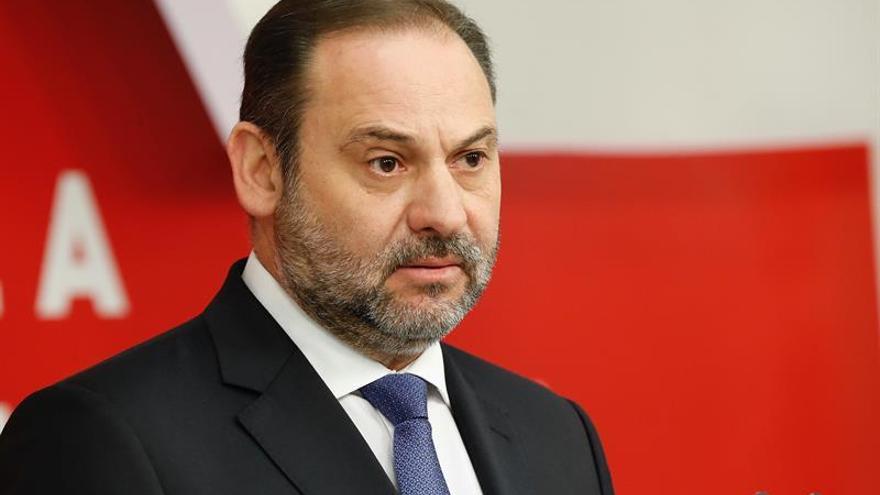 """Ábalos reclama a Casado que pida perdón por el """"engaño"""" del PP sobre el 11M"""