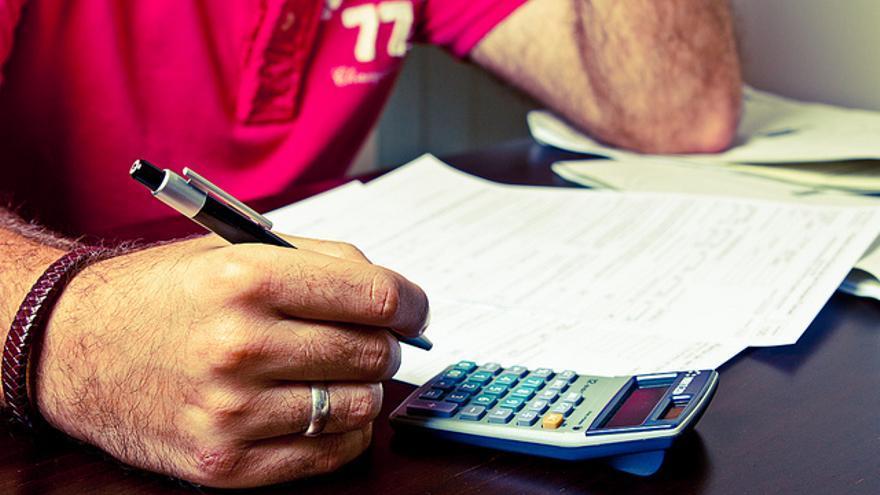 Las declaraciones trimestrales de IVA traen de cabeza a muchos autónomos
