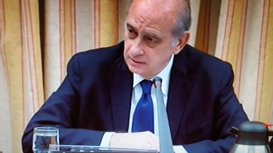 Fernández Díaz reaparece en el Congreso tras cuatro meses de baja