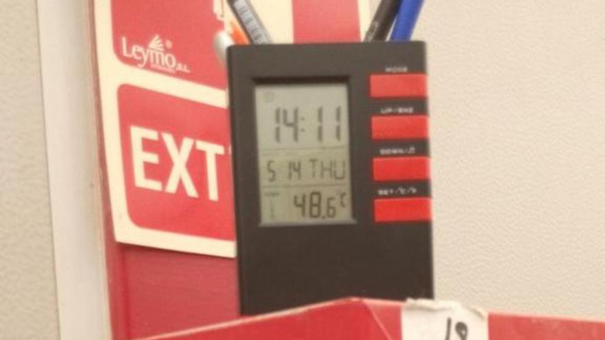 Un termómetro marca más de 48 grados en el colegio Ciutat de Cremona de Alaquàs / @asambleacremona