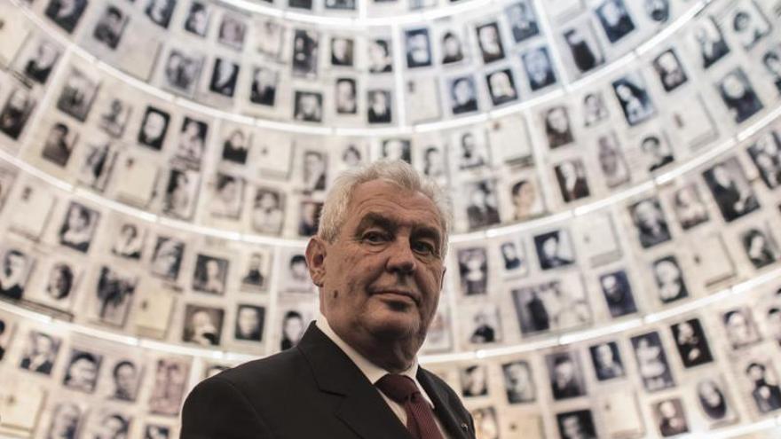 El presidente checo nombra al equipo ministerial del nuevo Gobierno