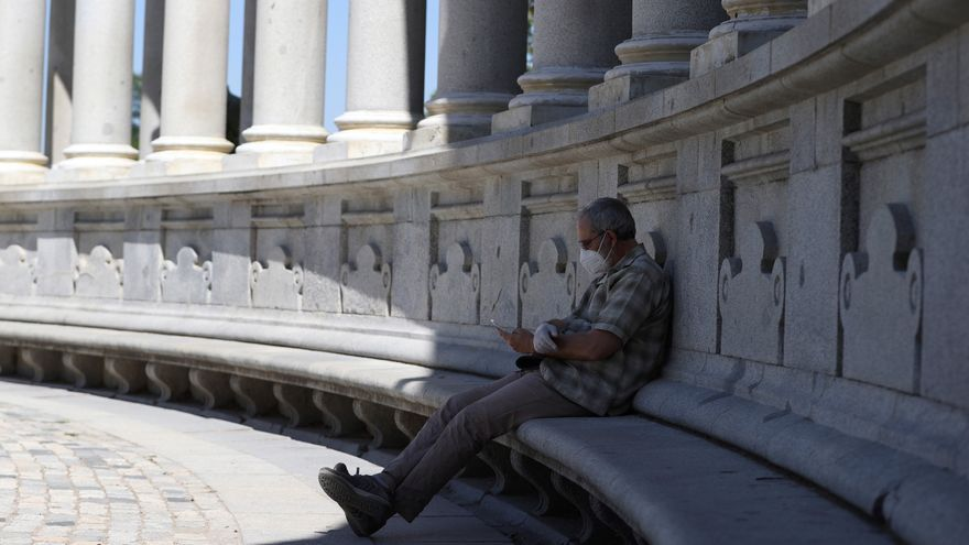 Suben ligeramente los contagios y fallecidos en Madrid: 563 y 18 en un día