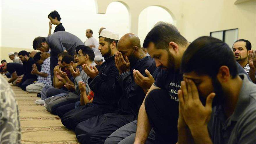 Los musulmanes de EE.UU. se sienten perseguidos después de los atentados en París