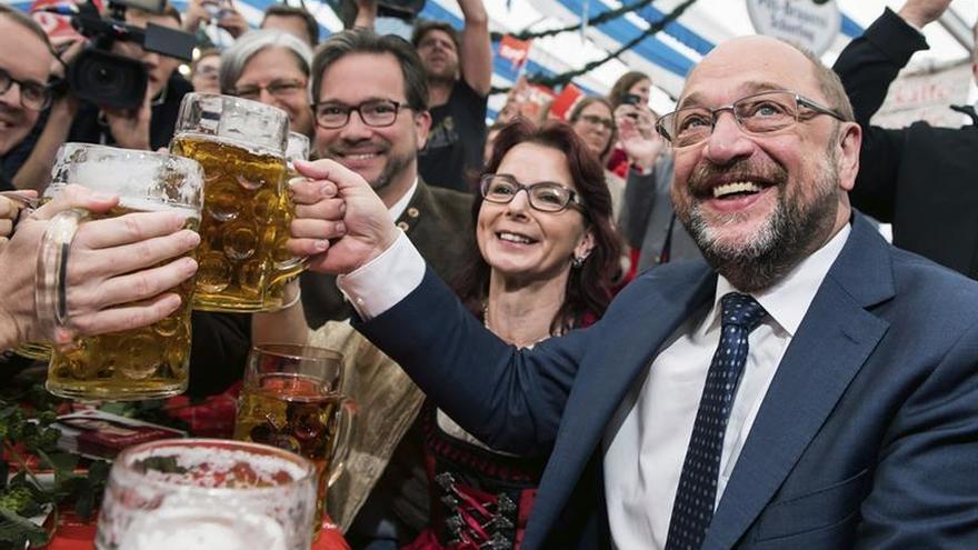 Schulz busca el voto de los indecisos y asegura que luchará hasta el final