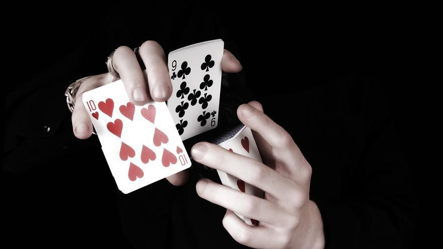 Las manos de Max Francis