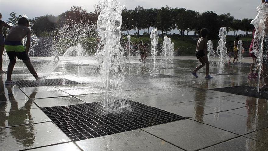 Veintiuna provincias continúan en alerta por calor o por fuertes tormentas