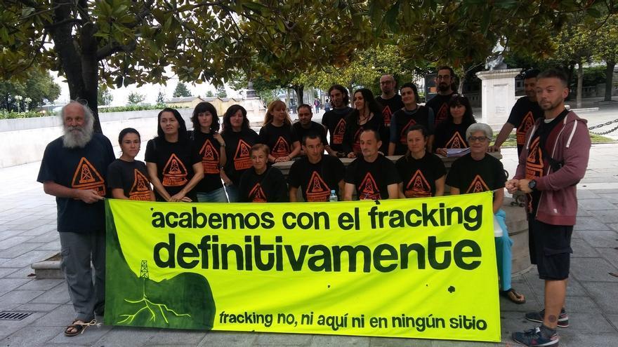 Asamblea contra el Fracking en una protesta contra los permisos en Cantabria.
