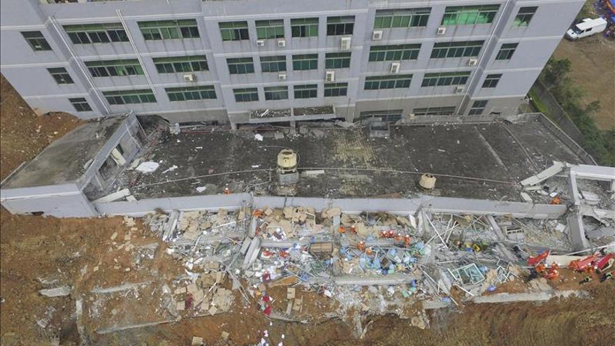 Shenzhen detiene la búsqueda para homenajear a las víctimas del alud