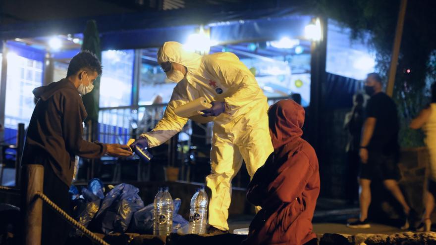 Llegada de un grupo de migrantes a Fuerteventura durante la noche de este viernes