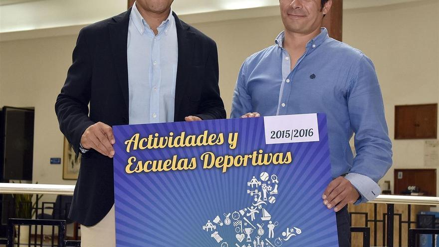 El concejal de Deportes de Santander, Juan Domínguez, durante la presentación de las actividades del IMD.