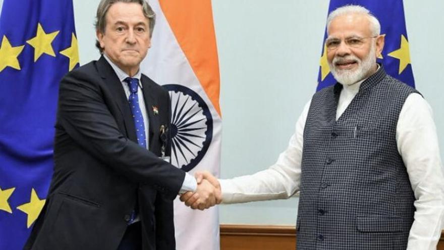 El eurodiputado de Vox Hermann Tertsch y el primer ministro indio, Narendra Modi.
