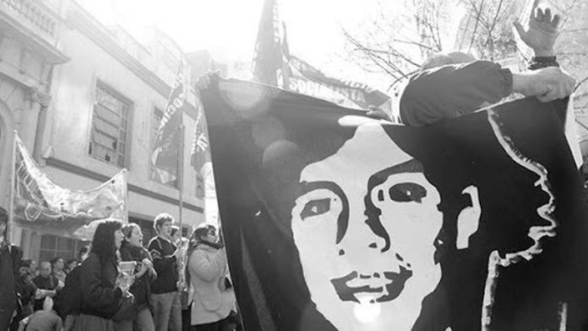 El 26 de abril de 1991, Walter Bulacio murió en el Sanatorio Mitre. Una semana antes la Policía lo torturó en un calabozo de la seccional 35.