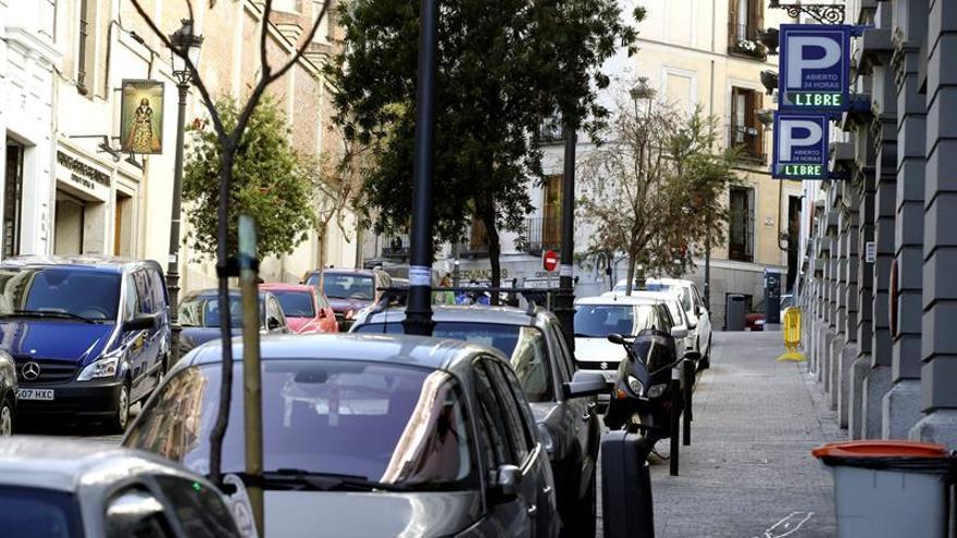 Los coches más contaminantes no podrán aparcar desde 2020 dentro de la M-30