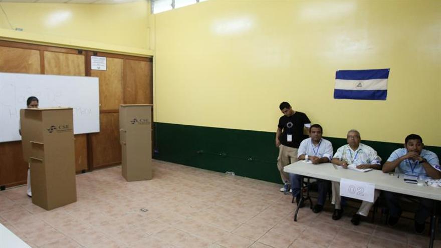 Abren los colegios electorales en Nicaragua para los comicios municipales