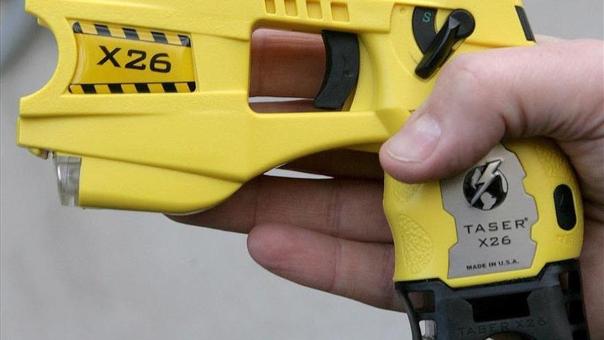 """Un hombre muere en Australia tras ser reducido por la Policía con una """"táser"""""""