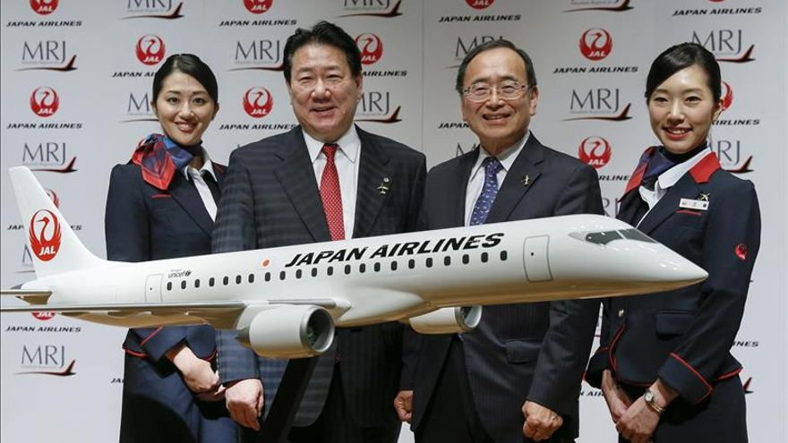 El primer avión comercial a reacción de Japón completa su vuelo de prueba
