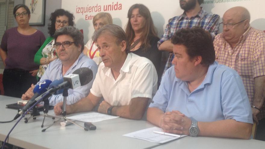 """Escobar (IU) dice que el resultado es """"el peor posible"""" y """"se reconstruye el bipartidismo"""" en Extremadura"""