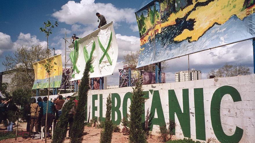 Una de las acciones organizadas por Salvem el Botànic