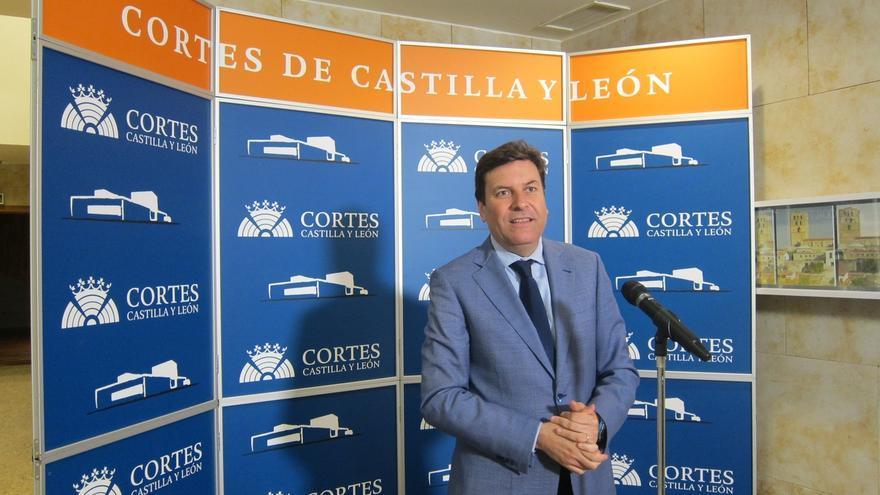 Fernández Carriedo (PP) cree que la renuncia de Valdeón engrandece sus valores y espera que siga como procuradora