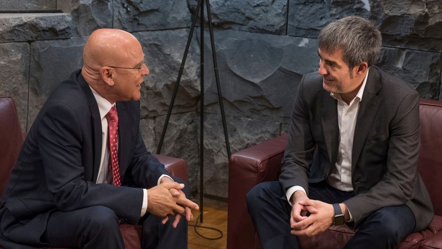 El Diputado del Común, Rafael Yanes y el presidente del Gobierno de Canarias, Fernando Clavijo.