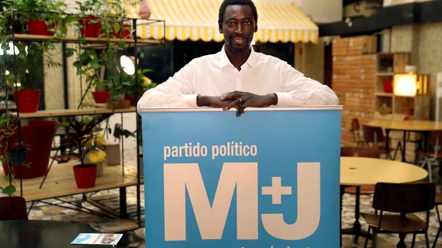 Presentación de Augustin Ndour, el candidato a la Presidencia del Gobierno por Un Mundo MásJusto (M+J).