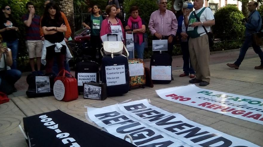 El activista de la Plataforma 0,7 Rafael Barragán, interviniendo en el acto / AECOS