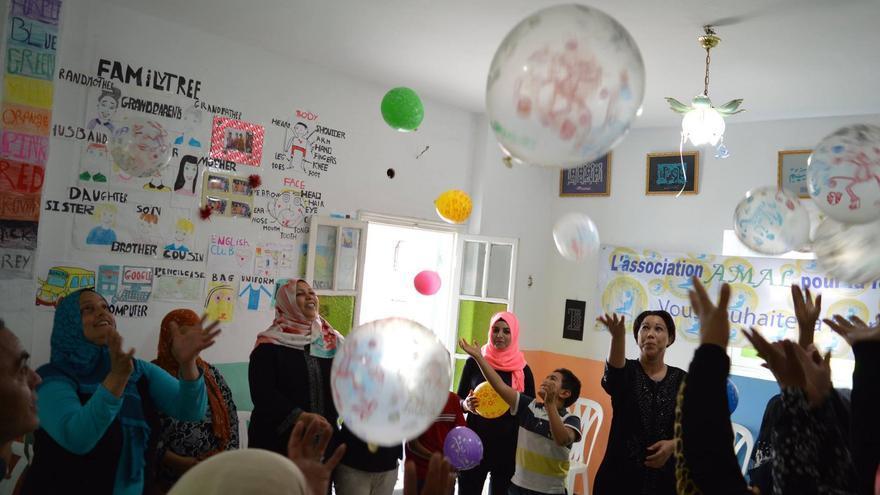 Celebración de una fiesta en el centro Amal para madres tunecinas solteras. / Facebook.
