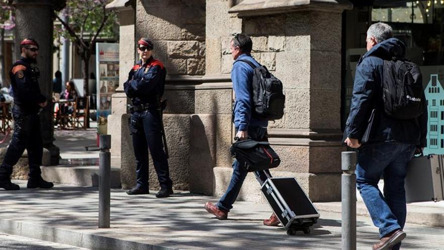 La Guardia Civil eleva a 177.065 € el coste de observadores internacionales del 1-O