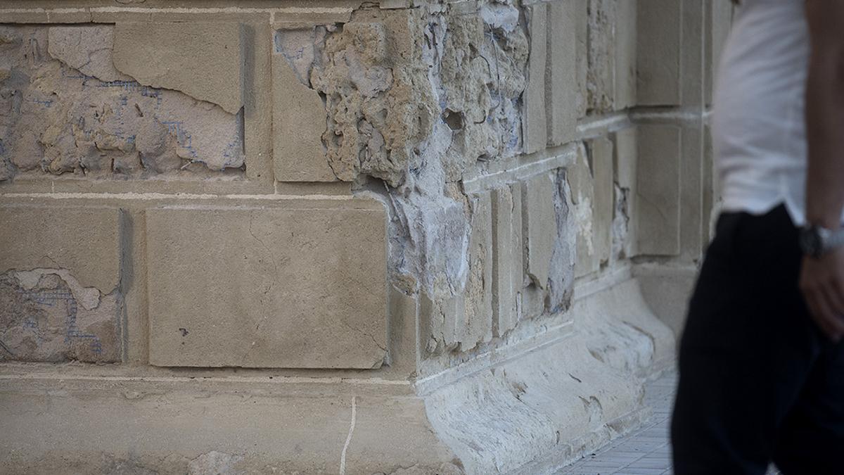 Puerta-del-Puente-Desperfectos1 - Puerta del Puente deteriorada   TONI BLANCO